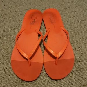 TKees Beach Flip Flops Size 9